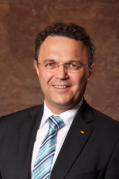 Hans-Peter_Friedrich_von_Henning_Schacht