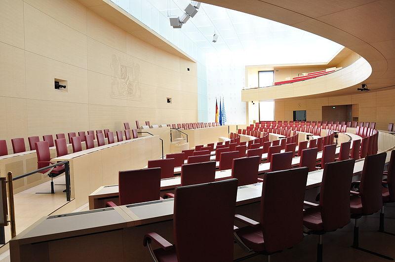 Plenarsaal_im_Bayerischen_Landtag