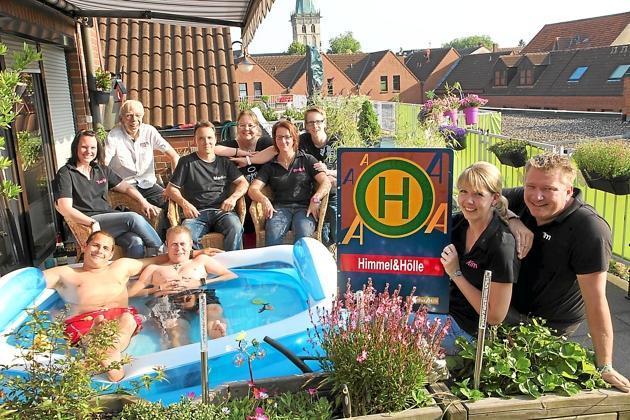 Ueber-den-Daechern-von-LH-Luedinghauser-Nachbarschaft-Himmel-und-Hoelle-haelt-wie-eine-Familie-zusammen1_image_630_420f_wn
