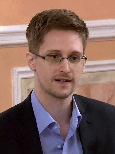Edward_Snowden_2013-10-9Wiki