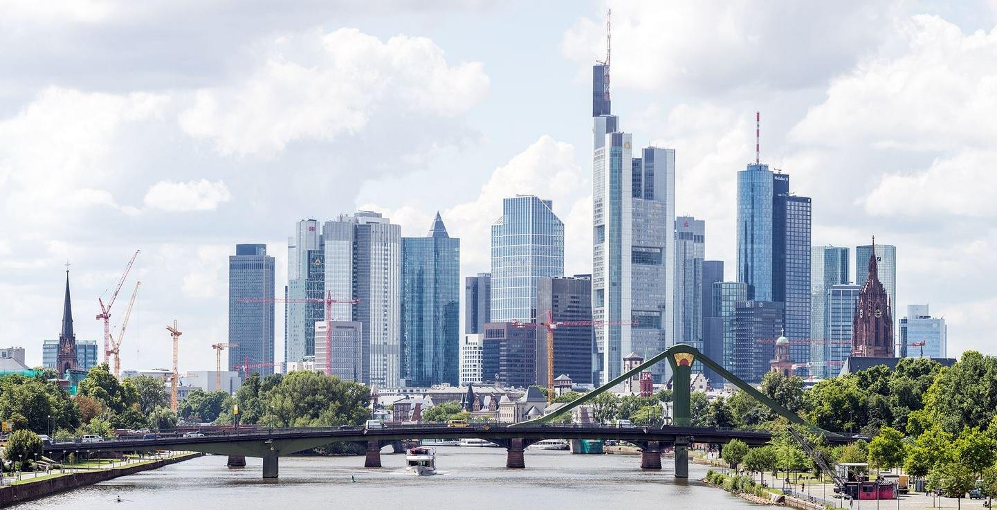 SkylineFrankfurt_Wikipedia_GFDL_Mylius