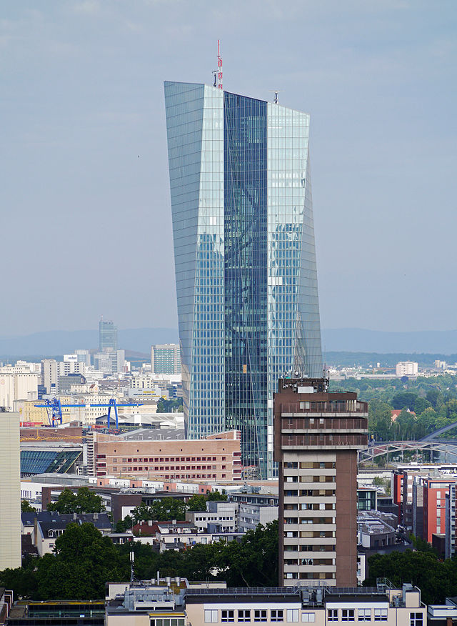 EZB-Neubaustelle-06-2014-Ffm-Wiki-Simsalabim